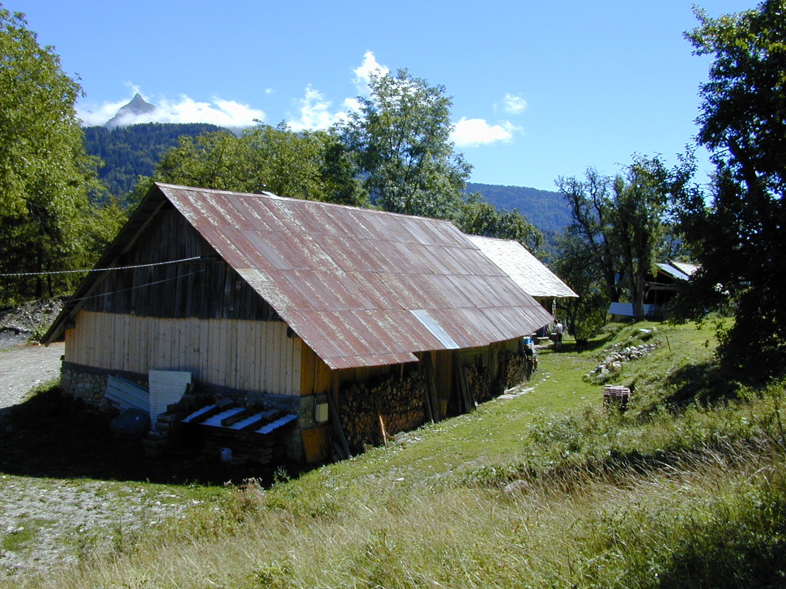 Charpente aravis les loges alternative construction bois for Amelioration isolation maison